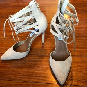 SteveMadden sz 7M tan ankle lace up pumps
